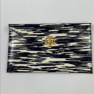Tory Burch Printed Turn-lock Envelope Pouch